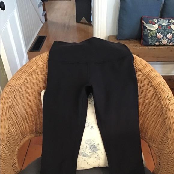 """Lululemon Wunder Under black leggings Luon 21"""""""